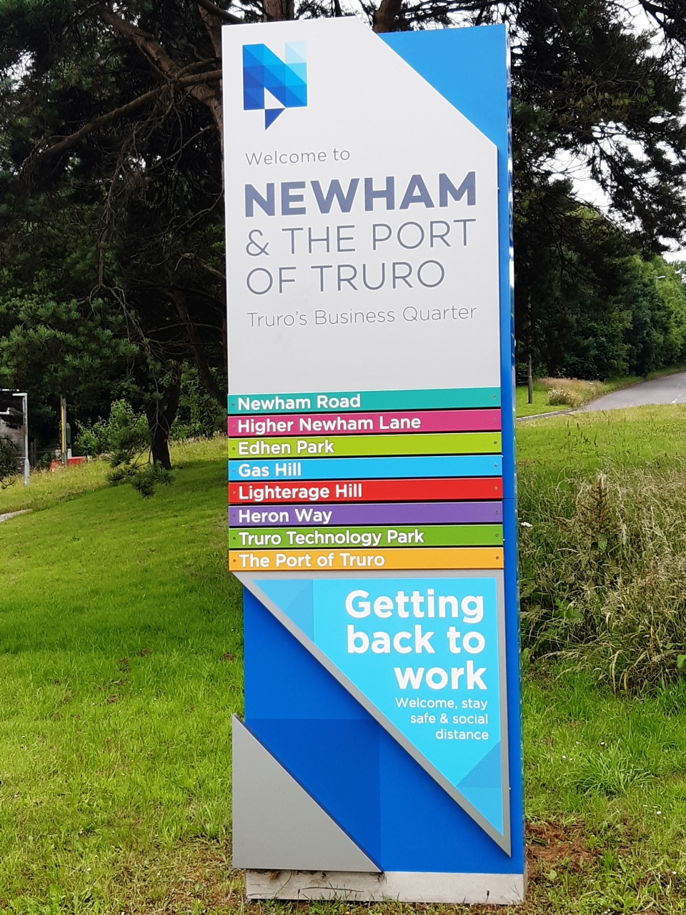 BID team helps Newham open for business